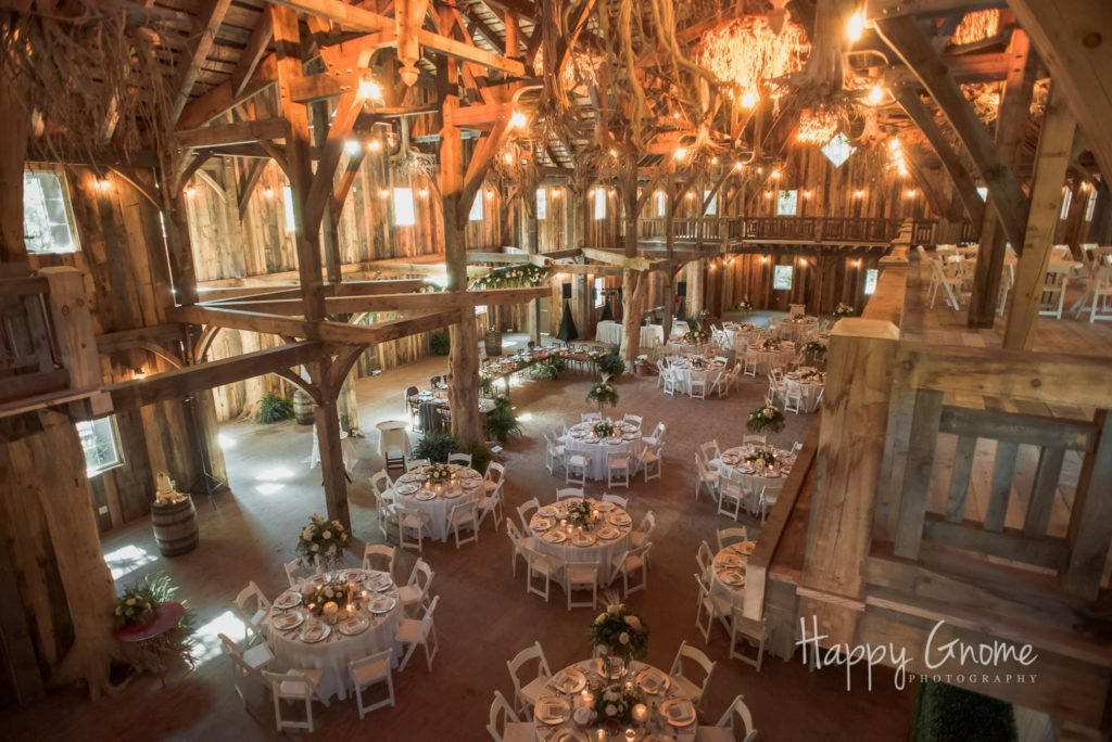 Wisconsin Indoor Wedding Rentals | A LA CRATE Vintage Rentals