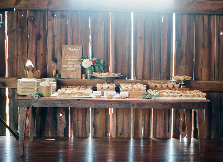ALaCrateRentals-Emily-Steffen-Photography-Dessert-Table-OVer-the-Vines