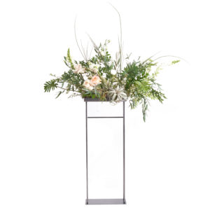 Floral display rental for tabletop design